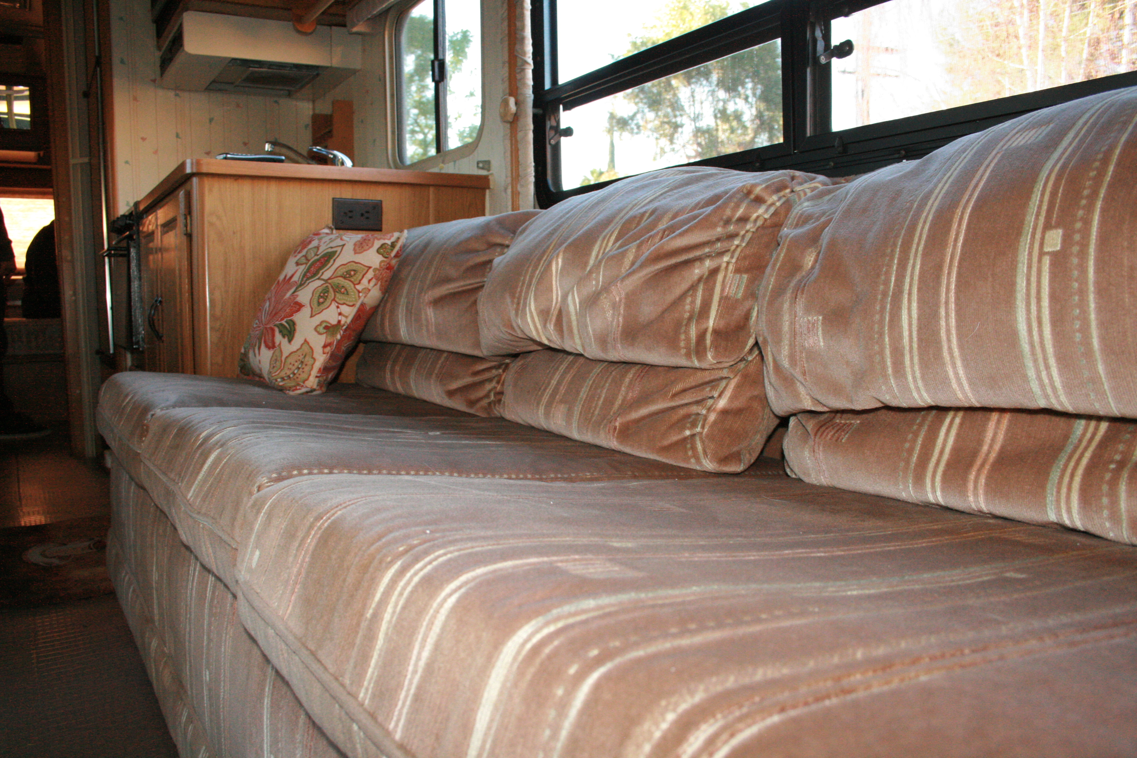RV Renovation: Jackknife Couch Before/After – Dirt Roads